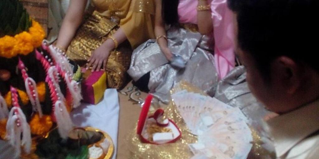 Да просто тайская национальная свадьба !