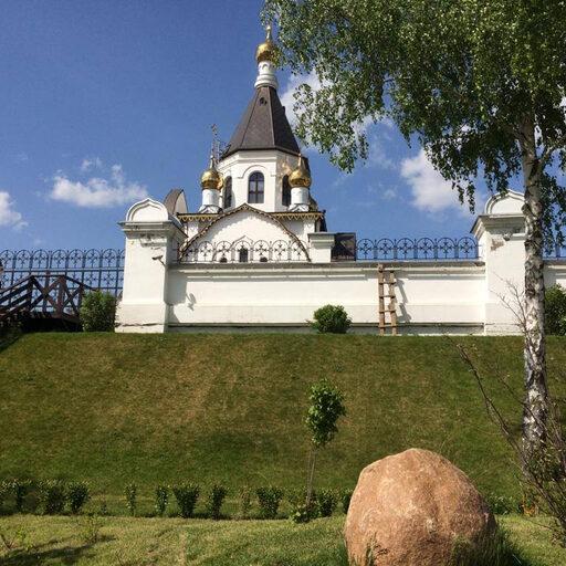 Прогулка по территории Свято-Успенского мужского монастыря под Красноярском