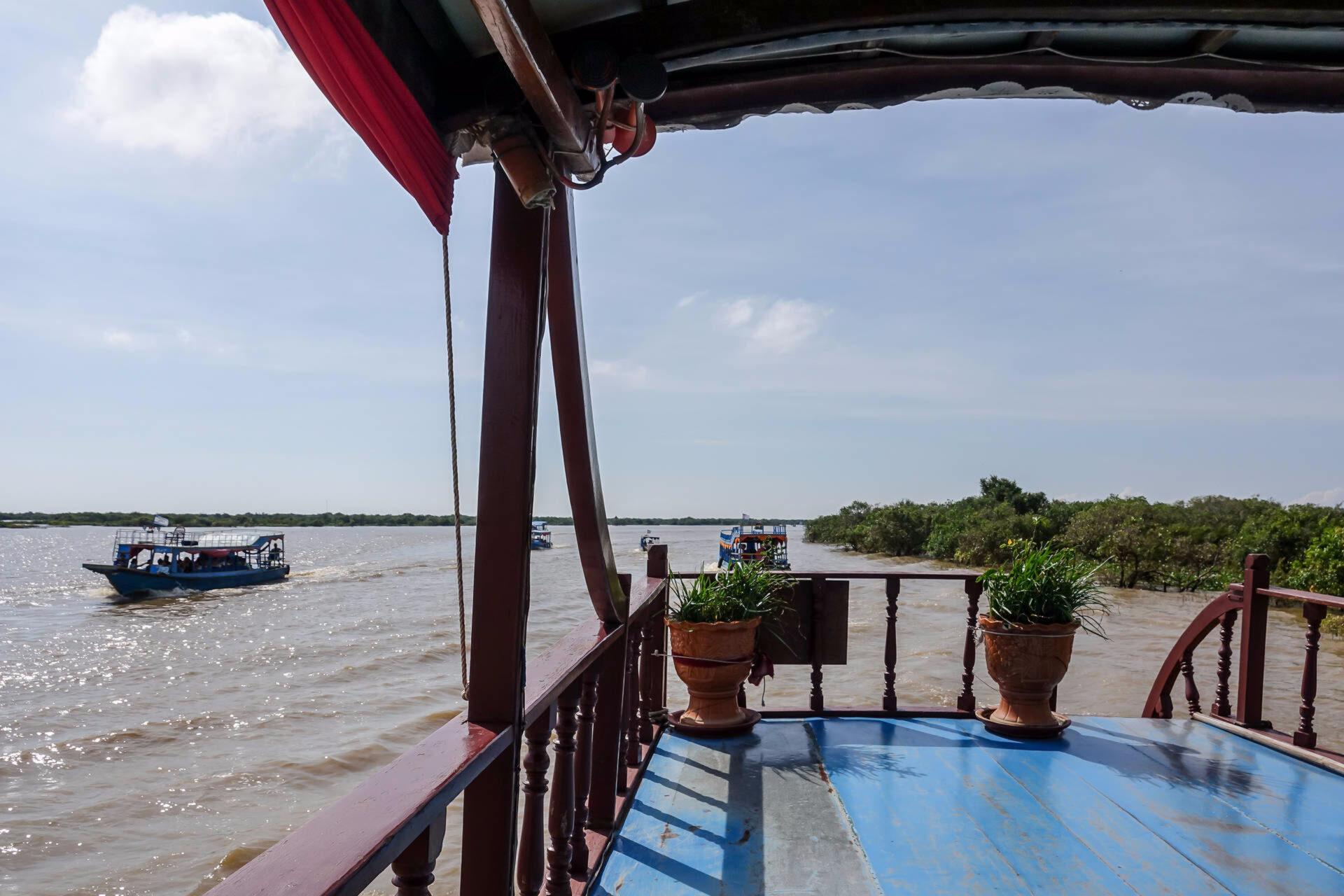 Плавучая деревня наозере Тонлесап (Камбоджа)